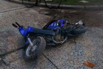 Luego de tener un accidente con su moto, se descompensó y murió en el Hospital