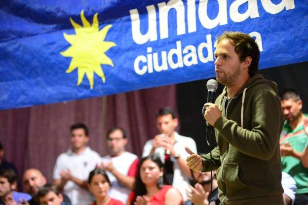 Felipe Martínez Garbino: <q>Somos muchos los compañeros que hemos abierto los ojos y nos hemos puesto en el camino correcto</q>