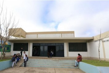 Forzaron la puerta y se llevaron una cocina industrial en una escuela del Barrio Lomas del Mirador