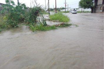 Llovieron 50 milímetros en media hora y provocó inconvenientes.