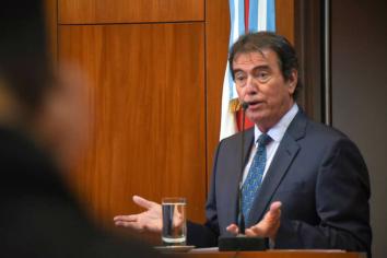 Emilio Castrillon se reunió con el senador provincial Lucas Larrarte