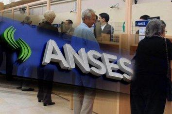 El Gobierno vuelve a tomar fondos de la ANSES para cubrir el déficit fiscal