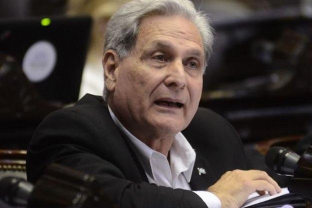Solanas pidió auditar las contrataciones que realizó PAMI en Gualeguaychú