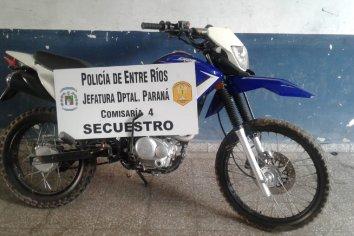 Le prestó la moto a un amigo y se la robaron.