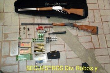 Secuestro de armas y cartucheria tras allanamiento