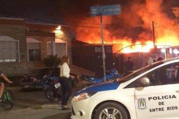 Incendio de gran magnitud en un Pub