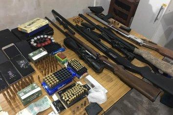 Megaoperativo en Rosario, son ocho los detenidos de una banda narcocriminal.