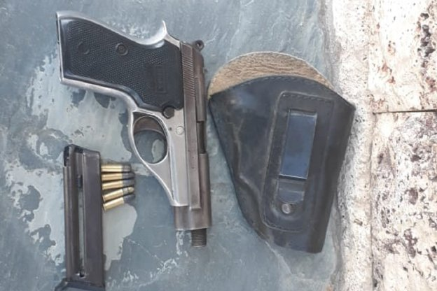 Hombre detenido por abuso de arma de fuego