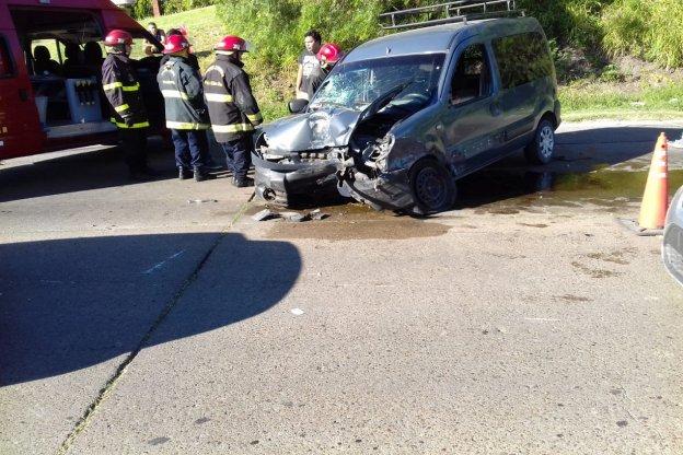 Fuerte accidente en Av. Gobernador Uranga