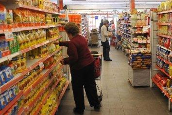 La canasta subió 3,7% en enero y una familia necesitó $26.442 para no ser pobre
