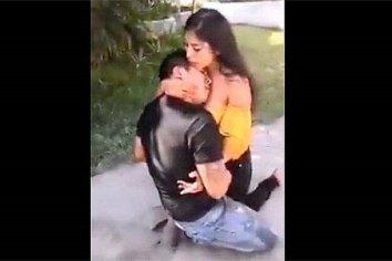 """Video muestra a mujer """"arrepentida"""" luego de apuñalar a su novio"""