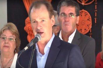 """El gobernador Bordet reconoció el gesto de los gremios de """"continuar con las negociaciones en las aulas"""""""