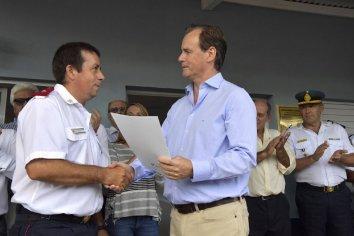 El gobierno destino más de 17 millones a bomberos voluntarios
