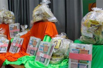 Se entregaron kits de instrumentos musicales y material didáctico