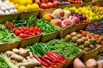 El gobierno buscará replicar la rebaja de la carne a las frutas y verduras