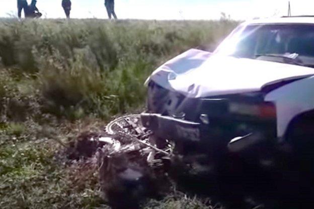 Camioneta embistió a motociclista que lamentablemente falleció