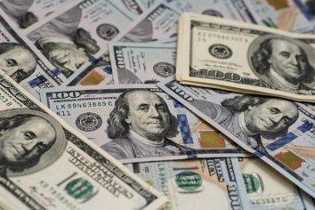 El dolar ya acaricia los 43 pesos