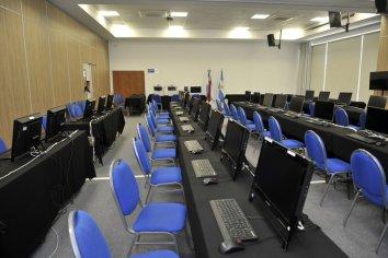 Inició el recuento de votos en el Centro Oficial de Cómputos