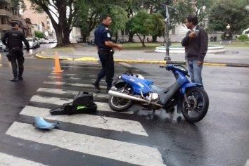 Una moto fue embestida en Alameda de la Federación y Sta Fé