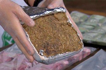 Encontraron 7 panes de marihuana en una mochila arriba de un colectivo