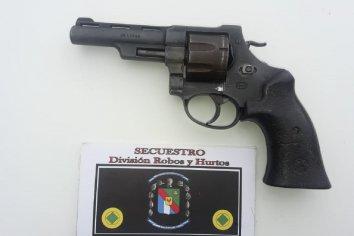 Secuestraron un revolver en un allanamiento
