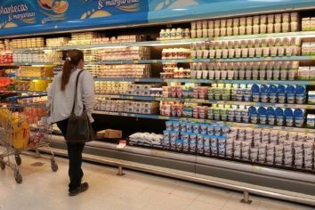 """Desde hoy rige la regulación de precios para 64 alimentos """"esenciales"""""""