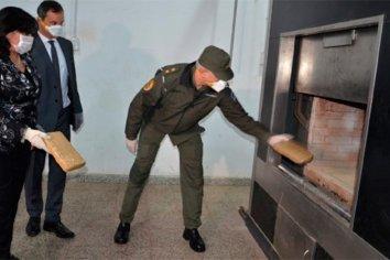 Más de 9 mil kilos de droga fueron quemados por Gendarmeria