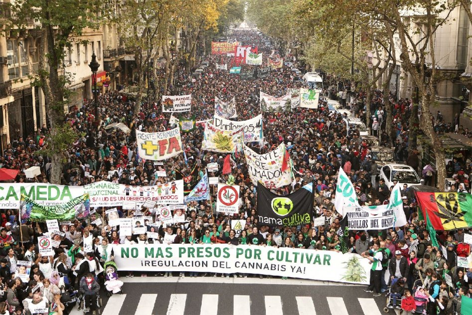 Multitudinaria  marcha del 2018
