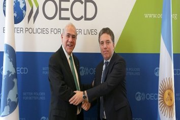 OCDE: La economía argentina, saldrá progresivamente con tasas trimestrales este mismo año