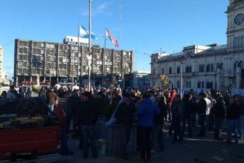 Productores protestaron frente a Tribunales