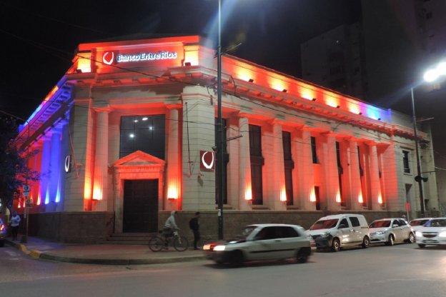 Banco Entre Ríos revalorizó su edificio histórico y comenzó con la construcción de un nuevo multilobby