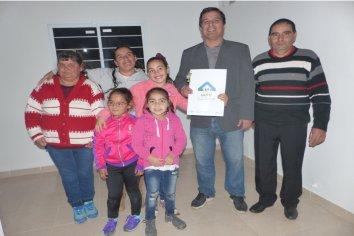 Con fondos provinciales se construirán nuevas viviendas en Villa del Rosario