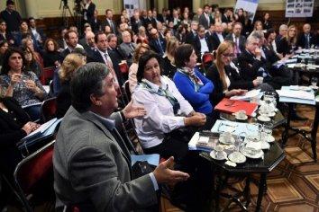 En una trama decisiva de la política el bloque del PJ postergo su definición para presidente