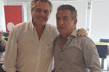 """Alberto Fernández resaltó el """"gran gesto"""" de Urribarri para sellar la unidad del peronismo en Entre Ríos"""