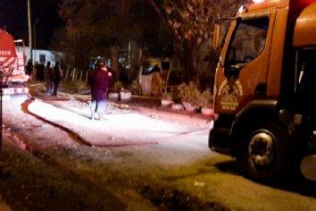 El fuego destruyó una casilla donde habitaban tres familias