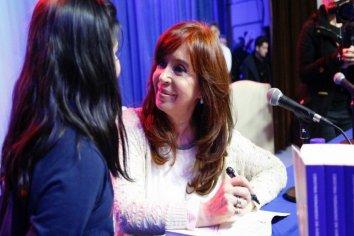 Encuesta: Cristina es la candidata que más creció en imagen positiva