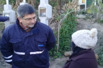Trabajan en obras de electrificación rural para pobladores de zona costera