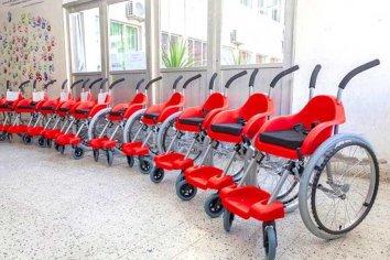 Garrahan donó 13 sillas de ruedas a la provincia