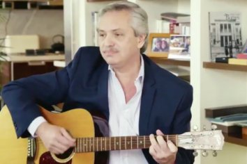 El saludo musical de Alberto Fernández por el Día del amigo