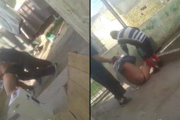 Video: golpean y filman a un interno semidesnudo