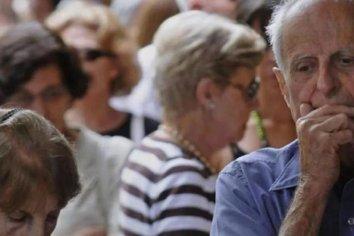 Hoy cobran los pensionados con DNI finalizados en 6 y 7