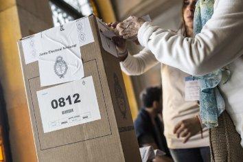 Los gobernadores acuerdan con Alberto suspender las PASO