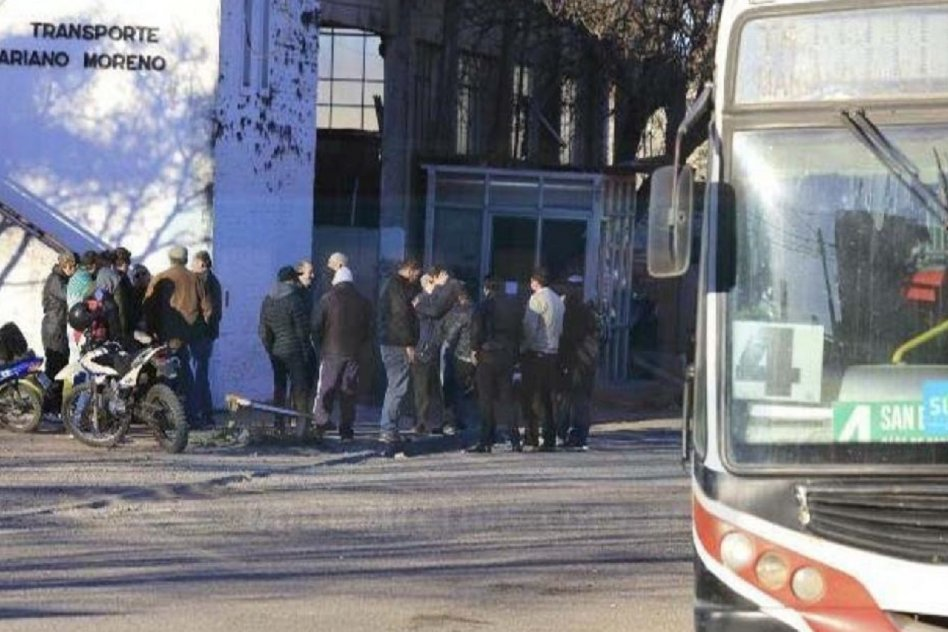 """Buses Paraná solicitó actualización de aportes porque con los fondos actuales resulta """"inviable"""" seguir prestando el servicio"""