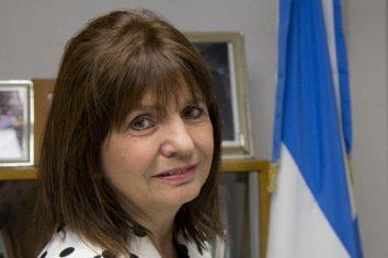 """Patricia Bullrich insultó a una vecina que le preguntó por Santiago Maldonado: """"Andá a la puta que te parió"""""""