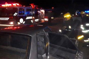Un auto se incendió en plena marcha sobre la ruta 11