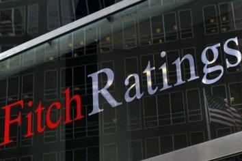 """Para Fitch, Argentina va """"camino a una reestructuración de deuda"""""""