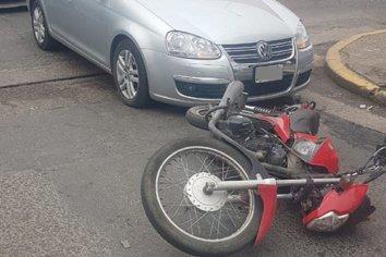 Accidente de transito en una esquina céntrica de la ciudad