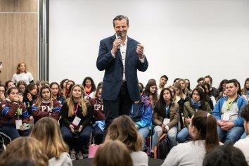 Bahl reunió a más de 200 jóvenes paranaenses en una novedosa capacitación