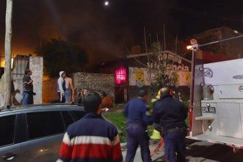 """Una persona falleció en el incendio de una vivienda ubicada en Barrio """"Paraná XX"""""""