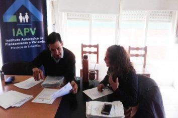 Familias de Villa Paranacito y Ceibas contarán con las escrituras de sus viviendas sociales